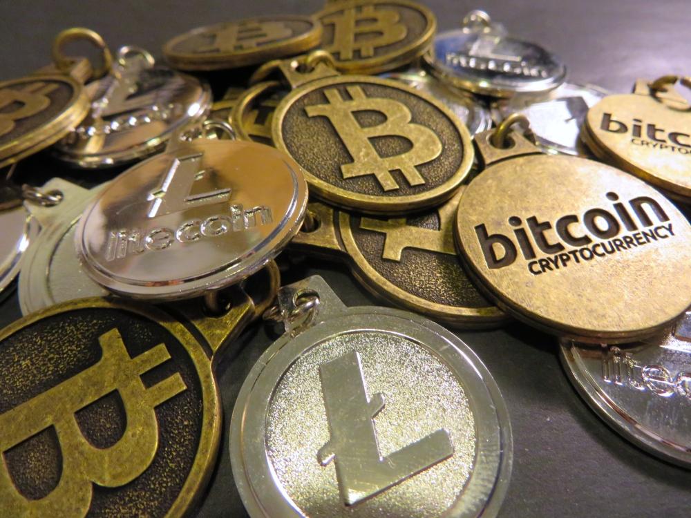 Bitcoin LItecoin Coins